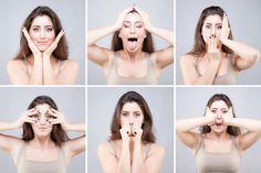 Fronsrimpels, kraaienpootjes of een onderkin? Steeds meer mensen gaan ze te lijf met gezichtsyoga. Onderzoek wees zelfs uit dat je door deze kleine oefeningen er drie jaar jonger uit kunt gaan zien. Waarom helpt gezichtsgymnastiek tegen rimpels? En hoe doe je gezichtsyoga thuis?