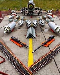 Enough ammo or not⁉️ Jet Fighter Pilot, Air Fighter, Fighter Jets, Airplane Fighter, Fighter Aircraft, Military Jets, Military Aircraft, Aircraft Design, Navy Ships