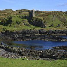 Gylean Castle. Isle of Kerrera. (Scotland) Denis Hardly