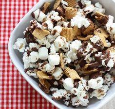 S'mores Popcorn / 19 Creative Ways To Flavor Popcorn