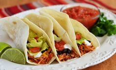 Crockpot Chicken Tacos **HAVE TRIED** Very easy and very delicious, especially with Tortilla Land Tortillas, and some good toppings. Crock Pot Slow Cooker, Slow Cooker Chicken, Slow Cooker Recipes, Paleo Recipes, Crockpot Recipes, Cooking Recipes, Slow Cooking, Meal Recipes, Dinner Recipes