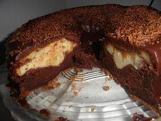 Uma bomba de gostosura que faz você explodir de tanto amor por essa delícia! - Aprenda a preparar essa maravilhosa receita de Bolo bomba de chocolate