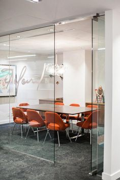 Office Tour: Shaw Communications Offices – Calgary – Modern Home Office Design Corporate Office Design, Office Space Design, Office Interior Design, Office Interiors, Office Designs, Design Offices, Corporate Offices, Workplace Design, Modern Interior Design