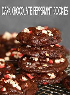 Chocolate Peppermint Cookies are thick and chewy chocolate cookies packed full of dark chocolate chips and incredible peppermint flavor. Chewy Chocolate Cookies, Chocolate Peppermint Cookies, Chocolate Biscuits, Chocolate Filling, Dark Chocolate Chips, Chocolate Recipes, Chocolate Heaven, Chocolate Chocolate, Dessert