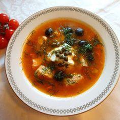 Edels Mat & Vin: SOLYANKA / SOLJANKA - Russisk restesuppe - med laks ♫♪ Eastern European Recipes, Thai Red Curry, Favorite Recipes, Ethnic Recipes, Kitchens