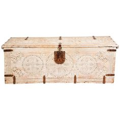 Large Antique Bleached Trunk | From a unique collection of antique and modern blanket chests at https://www.1stdibs.com/furniture/storage-case-pieces/blanket-chests/
