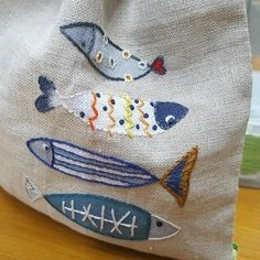 Fabric Painting, Fabric Art, Fabric Crafts, Applique Quilts, Embroidery Applique, Embroidery Designs, Fabric Fish, Free Machine Embroidery, Freehand Machine Embroidery
