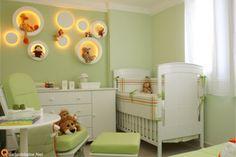 Decoração de quarto de bebê safari verde e branco com macacos