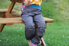 Dětské rostoucí softshellové kalhoty (+ střih a fotonávod) - Prošikulky.cz Softshell, Backpacks, Bags, Fashion, Handbags, Moda, Fashion Styles, Backpack, Fashion Illustrations