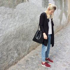 tifmys - H&M trench & denim, Zara shirt, Coccinelle Bilbao bucket bag & Nike Roshe sneakers.
