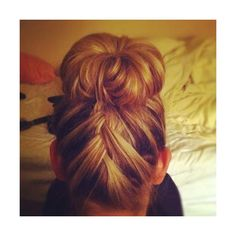 Hair & Makeup / back braid bun ❤ liked on Polyvore featuring beauty products, haircare, hair styling tools, hair, hairstyles, hair styles, cabelos and people