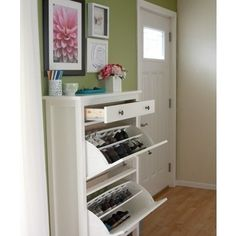 Shoe Organizer - this would be so nice by the entryway!