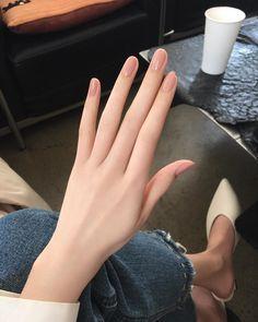 Classy Nails, Stylish Nails, Simple Nails, Pretty Hands, Beautiful Hands, Cute Acrylic Nails, Cute Nails, Long Natural Nails, Finger Hands