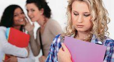... ¿Cómo agreden las mujeres? GÉNERO Un estudio científico confirma que las mujeres agreden a sus congéneres con tácticas sutiles pero letales. Los expertos explican por qué ellas pueden llegar a ser sus peores enemigas. http://www.semana.com/vida-moderna/articulo/lo-danino-del-bullying-entre-mujeres/366541-3