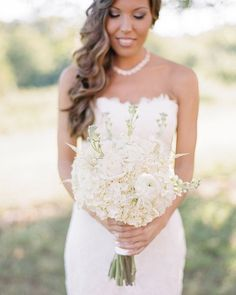More gorgeous florals from yesterday's real wedding.  Bride Jacqueline went for an elegant all white bouquet of hydrangeas, roses and ranunculus, isn't it fab?  Photo by @audrawrisleyphoto // Flowers by @eighttreestreetfloral // Dress by @enzoani  #realwedding #inspiration #wedding #bride #bouquet #florals #white #pretty #bmloves #linkinbio #bridalmusings