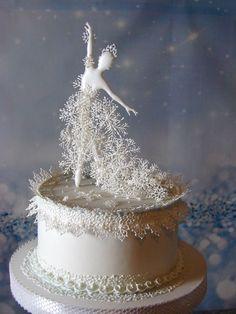 Pretty Cakes, Beautiful Cakes, Amazing Cakes, Holiday Cakes, Christmas Desserts, Christmas Cakes, Christmas Themed Cake, Christmas Cake Decorations, Winter Torte