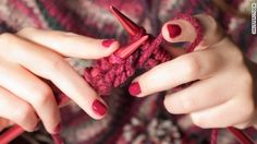15 Images Inspired by Pantone's 2015 Color of the Year: Marsala Knitting Projects, Knitting Patterns, Knitting Blogs, Pantone 2015, Craft Online, Easy Knitting, Start Knitting, Knitting Wool, Color Of The Year