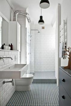 vasque salle de bain et lampes suspendues