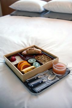 1000 images about room service on pinterest breakfast for Big box hotel bomonti