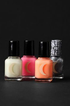 Glow-in-the-dark finger nail polish set from urbanoutfitters!!!!  I have to have this!