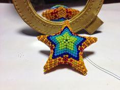 zia lola beads it: beaded stars in peyote stitch
