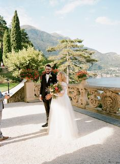 Advice on how to elope to Lake Como Italy: http://www.confettidaydreams.com/elope-to-lake-como-italy/