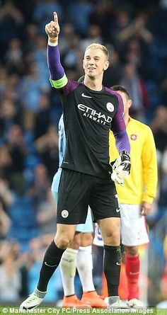 Hart points towards a friend at full-time. Manchester City, Manchester Football, Zen, English Premier League, Super Sport, Goalkeeper, Soccer Players, Soccer Ball, Rugby