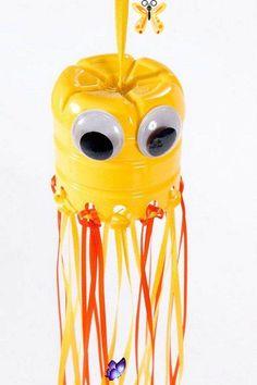 25 Spaß und kreative Handwerkskunst aus Plastikflaschen - Diy<br> Kids Crafts, Summer Crafts, Preschool Crafts, Craft Projects, Arts And Crafts, Craft Ideas, Recycled Projects Kids, Recycled Materials, Easy Plastic Bottle Crafts