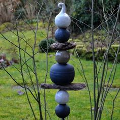 Frostsichere Gartenstele http://www.landhausidyll-gartenkeramik.de/shop/stelen-stecker/frostfeste-stelen/