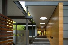 The Woodway Residence, Seattle, WA, redesigned mcm, Bohlin Cywinski Jackson Modern Entry, Modern Exterior, Midcentury Modern, Architecture Details, Interior Architecture, Autocad, Palm Springs, Home Pictures, Mid Century House