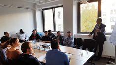 Unser Vorstand Michael Kenfenheuer hat sich über das adesso-Rotationspraktikum informiert.