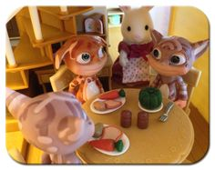My Creatures 4 Norn figurines found themselves in a new place, where they were treated to a delicious and healthy meal from a kind rabbit family!