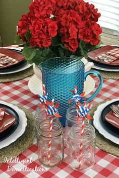 Red White and Blue Tablescape decor ideas. Red and White checkered table decor ideas. Patriotic Crafts, Patriotic Decorations, Table Decorations, Fourth Of July Food, Household Cleaning Tips, Diy Craft Projects, Craft Ideas, Diy Home Improvement, Seasonal Decor