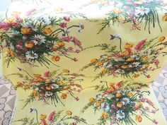 3.2 metres (125 inches) 1950 s VINTAGE FABRIC FIFTIES MATERIAL RETRO FLORALS