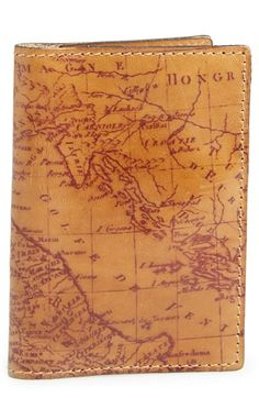 Map print leather passport holder http://rstyle.me/n/nhxx5nyg6