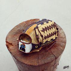 Gloveworks X @spacecowboy_9 Happy Birthday! #Gloveworks #glovefactory #BringItHome  #baseball #beisbol #mlb #custom #gocustom #custommitt #customglove #baseballswag #baseballweekend #travelball #baseballteam #collegebaseball #birthday #birthdaygift #softball #softbol