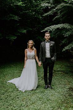 Hochzeitsshooting mit Nicole und Niklas bei ihrer Boho-Hochzeit bei Wien #wedding2017 #bride2017 #bohobride #bohowedding Niklas, Wedding Dresses, Style, Fashion, Dress Wedding, Curve Dresses, Nice Asses, Alon Livne Wedding Dresses, Fashion Styles