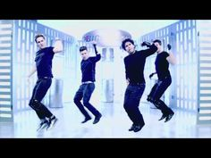 Big Time Rush - Like Nobodys Around. I SERIOUSLY FEEL LIKE CRYING RIGHT NOW IM SCREAMING OMG I CANT