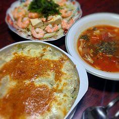昨日の夕飯あげ忘れ。  特に何のイベントもないのに、 副菜もスープもめっちゃ頑張って 作ってしまいました…  白菜を消費したくて、 中華味のドリアを思いついたので 作ってみました。意外と合います! - 13件のもぐもぐ - 鶏肉とキノコと白菜の中華味ドリア&ミネストローネ&海老と豆腐のサラダ by palico