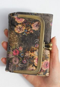 Small+Evanna+Vintage+Floral+Print+Leather+Wallet