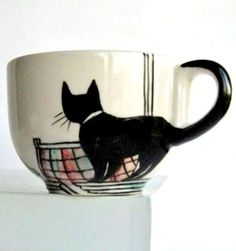 AH! Look at the tail! I love this! Reminds me of Jiji's cup from Kiki's Delivery Service! Repinning to wishlist. :}