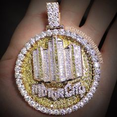 GOLDEN SUN JEWELRY: Even though its 80 degrees outside, it's still chilly in the Motor City. @goldensunjewelry #goldensunjewelry #motorcity #detroit #313 #russiancut #canarydiamonds #vvs #flawless #hiphop #wshh #niketalk #diamonds #pendant #gold #jewelry #bling #chunky #fashion #fashionista #designer #gia #kilogang #jewelrygame #michigan #puremichigan #rosegold