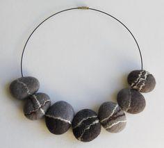 Felt necklace Pebble