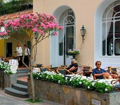 Island Cafe in Capri, Southern Italy Cafe Delight, Places To Travel, Places To Go, Outdoor Cafe, Capri Italy, Southern Italy, Amalfi Coast, The Good Place, Around The Worlds