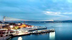 À cheval sur deux continents, à l'ouest, l'Europe, à droite, l'Asie ; Istanbul est une ville vibrante à l'architecture étonnante. Véritable voyage ...
