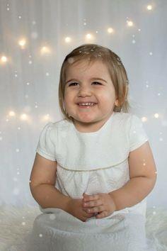 Christmas photo idea, toddler, girl