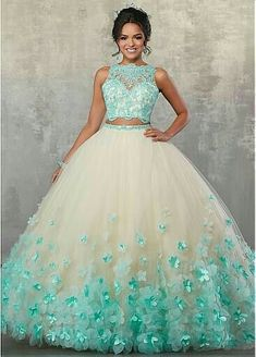 - - Zweiteiliges Quinceanera-Kleid mit Blumenmuster von Mori Lee Vizcaya Lee Vizcaya-AB … – Quinceañera Dresses – Source by Pretty Prom Dresses, Sweet 16 Dresses, Homecoming Dresses, Cute Dresses, Beautiful Dresses, Quencenera Dresses, Sweet Sixteen Dresses, Princess Prom Dresses, Chiffon Dresses