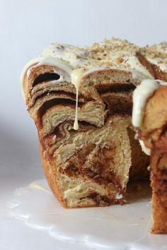 Cinnamon rolls cake Pastry And Bakery, Cinnamon Rolls, French Toast, Breakfast, Cake, Food, Morning Coffee, Cinammon Rolls, Kuchen