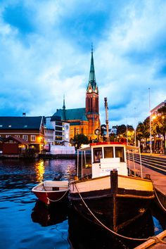 Arendal - Norway ….Stay cheap and comfortable on your stopover in Oslo: www.airbnb.com/rooms/1036219?guests=2&s=ja99 and https://www.airbnb.com/rooms/6808361
