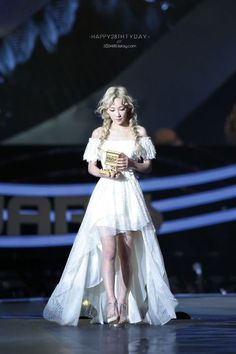 taeyeon mama 2015 I Sooyoung, Yoona, Snsd, Taeyeon Fashion, Kpop Fashion, Korean Fashion, Girls' Generation Taeyeon, Girls Generation, Kpop Girl Groups